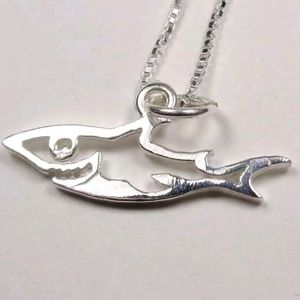STERLING SILVER MAKO SHARK SEA LIFE NECKLACE